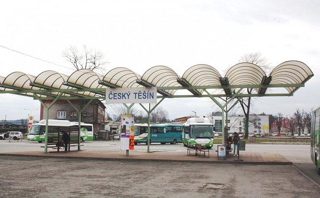 Autobusové stanoviště v Českém Těšíně.
