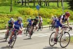 Cyklistky během sobotní odpolední etapy.