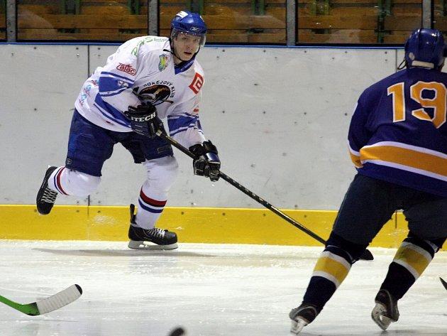 Orlovským hokejistům se daří útok na čelo tabulky.