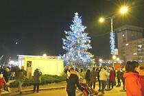 Vánoční strom na náměstí Republiky v Havířově.