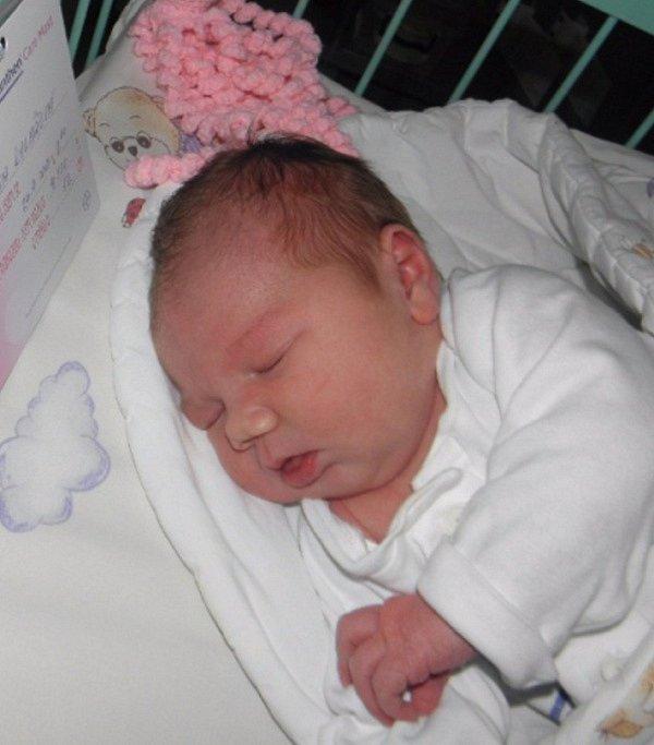 Alenka Kolářová se narodila 24. září paní Andree Kolářové z Orlové. Porodní váha Alenky byla 4320 g a míra 52 cm.