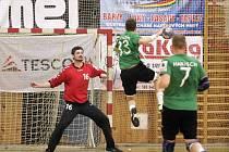 Házenkáři Karviné (v zeleném) vezou z Litovle oba body.