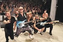 Rocktherapy 2016. Charitativní rockový festival, jehož výtěžek ve výši necelých 130 tisíc korun pomůže třem ženám postiženým roztroušenou sklerózou.