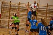 Orlovské volejbalistky (v zeleném) proti Polance vyhrály i prohrály.