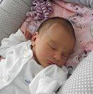 Eliška Kaplanová se narodila 8. července mamince Sabině Ďatkové z Karviné. Po narození holčička vážila 3140 g a měřila 49 cm.