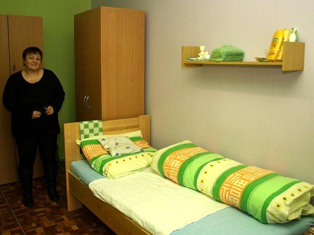 Provozovatelka zařízení Vladimíra Martinková AS-Senior v jednom z pokojů. Snímek z února 2015.