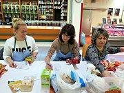 Potravinová sbírka Armády spásy v Havířově.