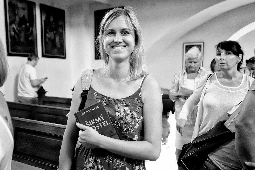 Autorka úspěšné románové trilogie Šikmý kostel Karin Lednická