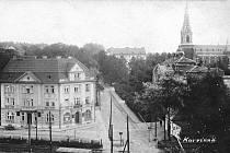 Pohled na původní Karvinnou. Vzadu kostel sv. Jindřicha.