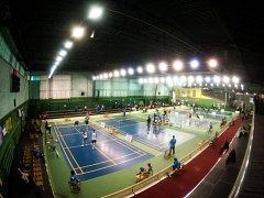 Nejlepší čeští badmintonisté se na víkend sjeli do Karviné, kde budou až do neděle bojovat o tituly domácích šampionů.