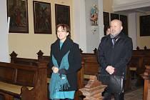 Ministryně kultury Alena Hanáková byla krásnou křivého kostela v Karviné-Dolech doslova unešená.