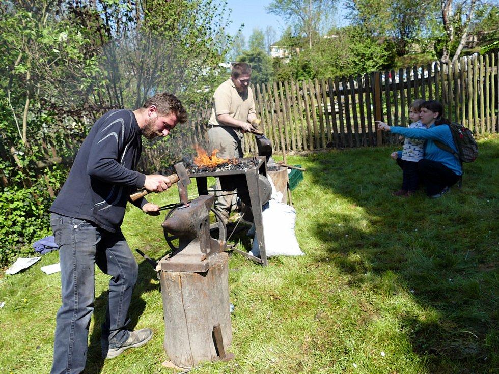 Kotulova dřevěnka nabízí expozici a ukázky, jak se žilo kdysi v obcích na území dnešního města Havířova.