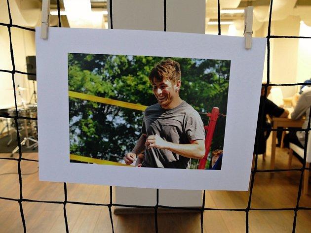 Vneděli 6.ledna vcentru Lučina vHavířově byla slavnostně zahájena výstava fotografií Havířovanky Sarah Ráblové, šestnáctileté studentky Střední umělecké školy vOstravě. Výstava potrvá do neděle 27.ledna.