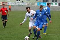 Lukáš Budínský (v bílém) dal Vlašimi vítězný gól.