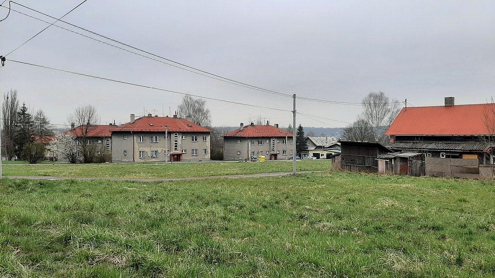 Petřvald. Pohled na bytovky v části Březiny.