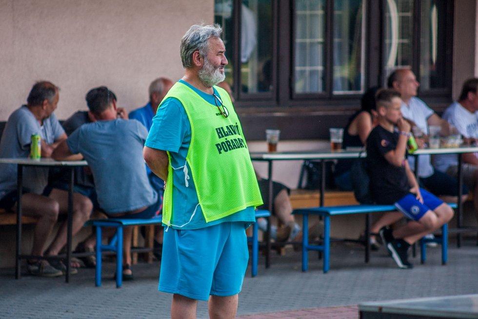 Předseda klubu Karel Lipjak.