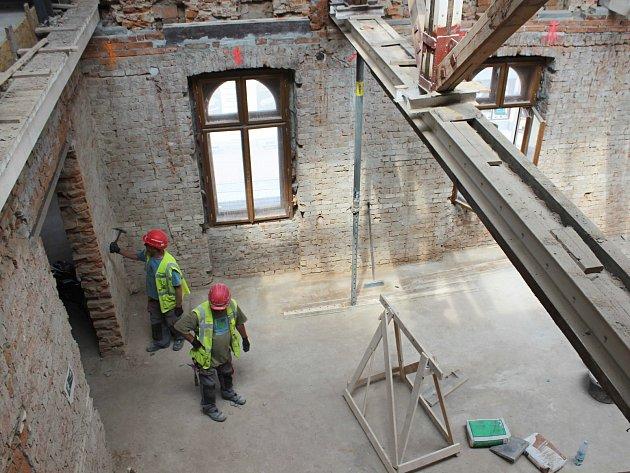 Moderní a interaktivní expozice. To bude hlavní budova Muzea Těšínska v roce 2020, nyní zde probíhají potřebné přestavby.