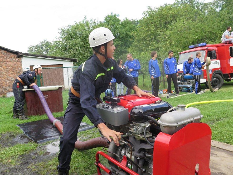 V Petřvaldě soutěžili dobrovolní hasiči.