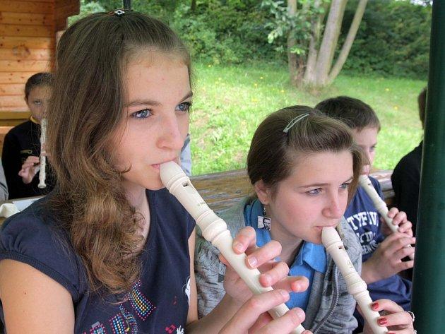 Ozdravný pobyt. Dýchací cesty posiluje hra na flétnu. Ilustrační snímek.