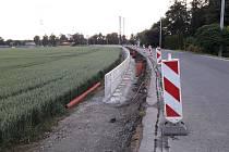 V Závadě se staví nový chodník.