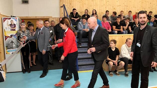 Otevření nové posilovny a fit centra na karvinské SŠTaS.