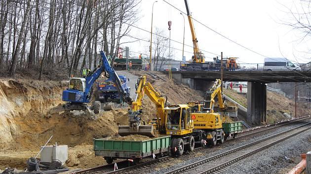 Stavba nové železniční zastávky Havířov střed.