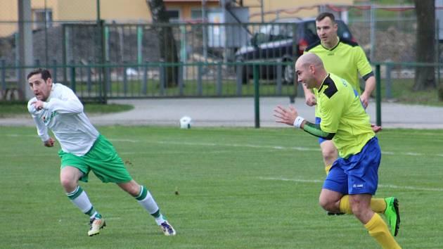 Stonava se může opřít o střelecké schopnosti Josefa Zollera (vpravo).