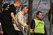 Fanoušci na fotbalovém utkání mezi Karvinou a Opavou.