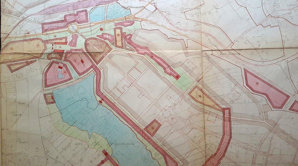 Plány na výstavbu přehrady na řece Lučině.
