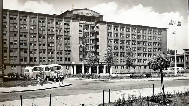 Historický snímek budovy havířského magistrátu.