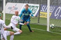Marek Janečka (v bílém) uznal, že hráči si v utkání proti Vlašimi neřekli u trenérů o větší šanci.