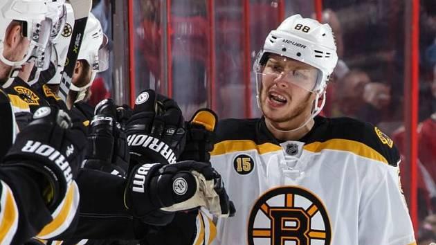 David Pastrňák je gólovým hráčem. Má za sebou první hattrick v NHL!