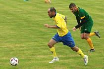 Stonava (žluté dresy) porazila Datyně 2:0.
