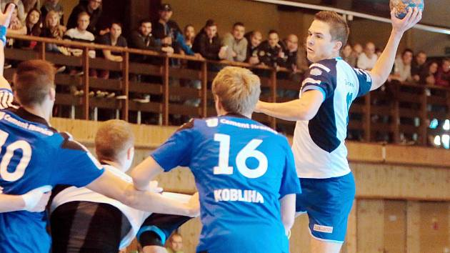Jan Dudek se v utkání blýskl dvanácti góly a především jeho přičiněním si hráči MHK připsali do tabulky oba body.