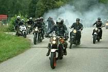 Spanilá jízda motorkářů proběhla v sobotu v Těrlicku.
