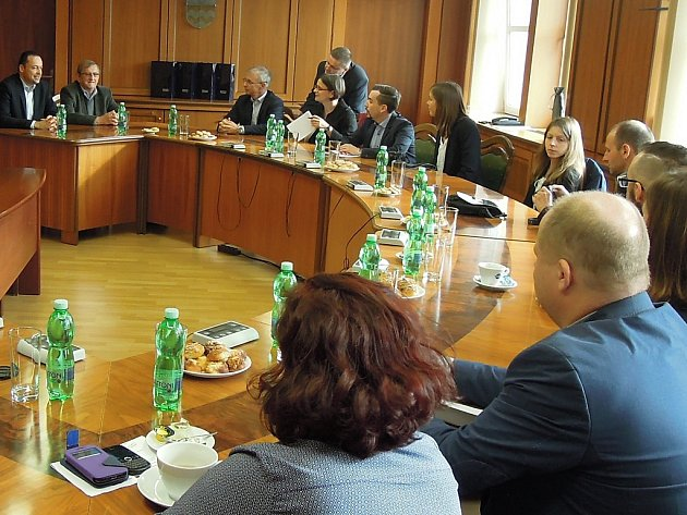 Setkání představitelů Havířova a francouzské delegace.