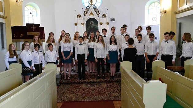 Pěvecký sbor Gymnázia Komenského vHavířově slaví 20 let