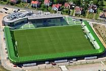 Letecký pohled na Městský stadion v Ráji.