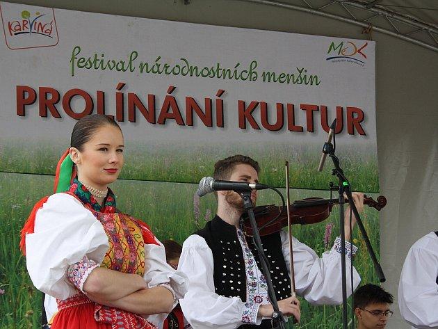 10. ročník festivalu národnostních menšin s názvem Prolínání kultur.