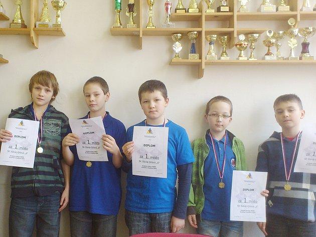 Úspěšná sestava mladších žáků Orlové, která si vybojovala postup na MČR.