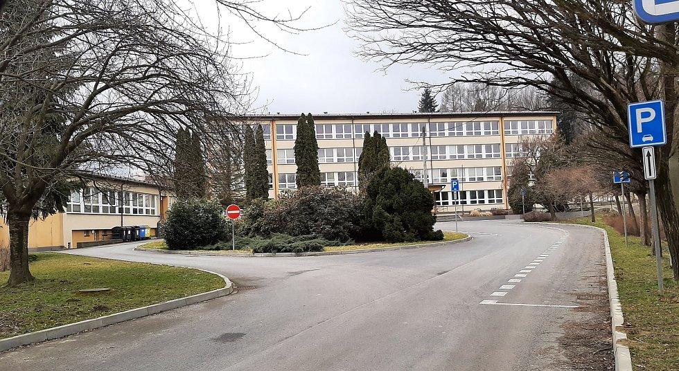 Dětmarovice. Budova základní školy.