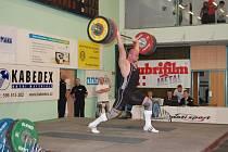 Největší želízko havířovských vzpěračů Tomáš Matykiewicz, který v momentální formě zvedá v nadhozu 217 kilo.