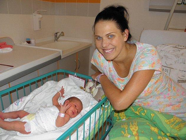 Terezka Skřížalová se narodila 7. srpna mamince Kateřině Gřešové z Havířova. Po narození malá Terezka vážila 3490 g a měřila 51 cm.