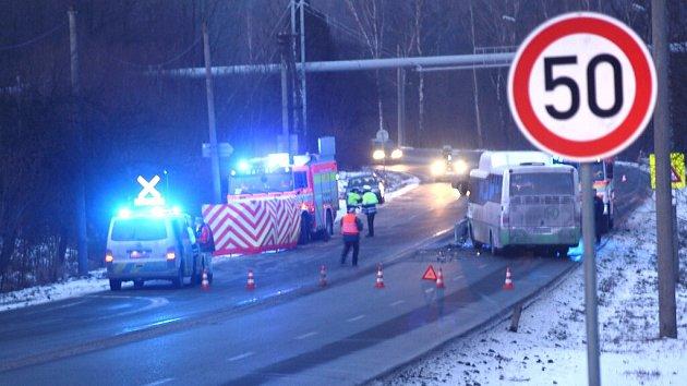 Nehoda na Lazecké ulici, na silnici spojující Orlovou sHavířovem.