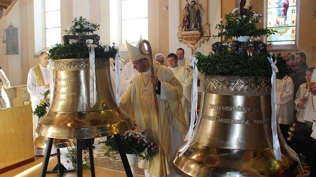 Žehnání zvonům v Horní Suché