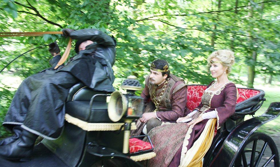 Natáčení pohádky Když draka bolí hlava na zámku Fryštát v Karviné.