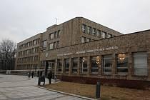 Budova Obchodně podnikatelské fakulty Slezské univerzity v Karviné.