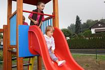 Otevření nového dětského hřiště v Dětmarovicích.