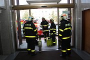 Kvůli nálezu podezřelé zásilky zasahovali v budově havířovské radnice hasiči a policisté.