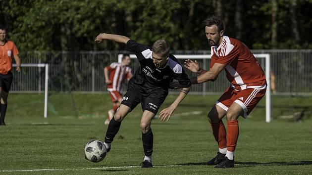 Přípravné fotbalové utkání Orlová - Bílovec (v černém) 0:4.